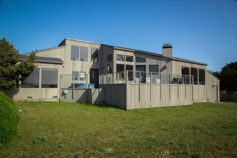 exterior fo the back of Beach House
