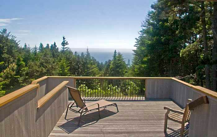 back deck with view to ocean